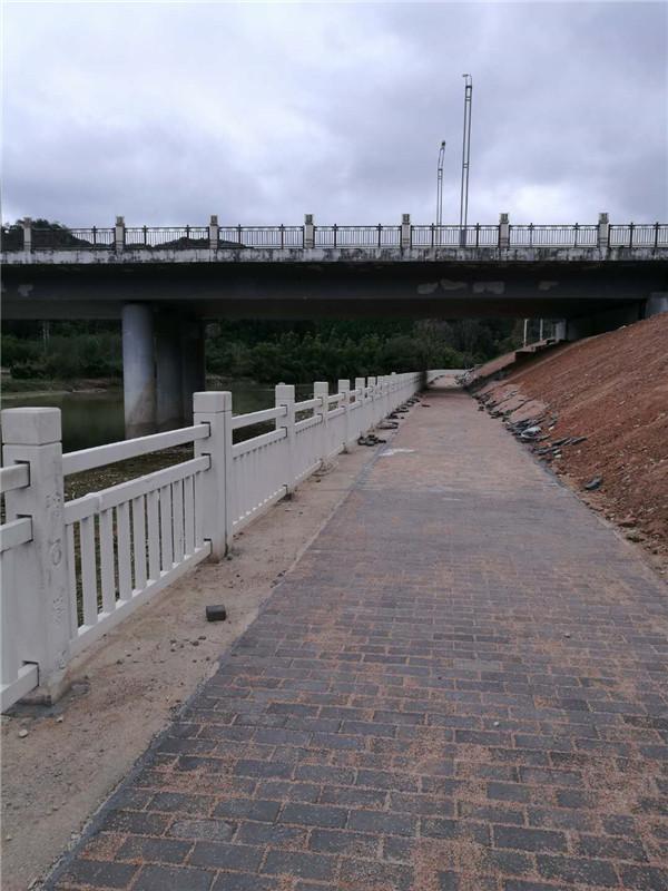 漳州水泥仿木栏杆要多少钱,水泥仿木栏杆