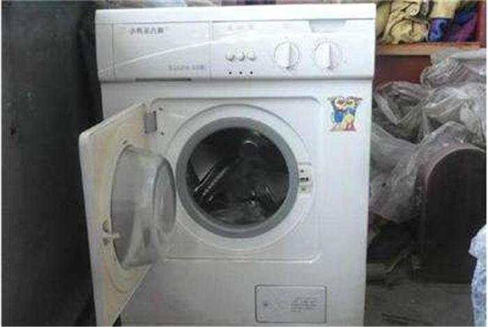 洗衣机常见故障:1,洗衣机进水不停;2,脱水桶不转,波轮转;3,洗得起甩