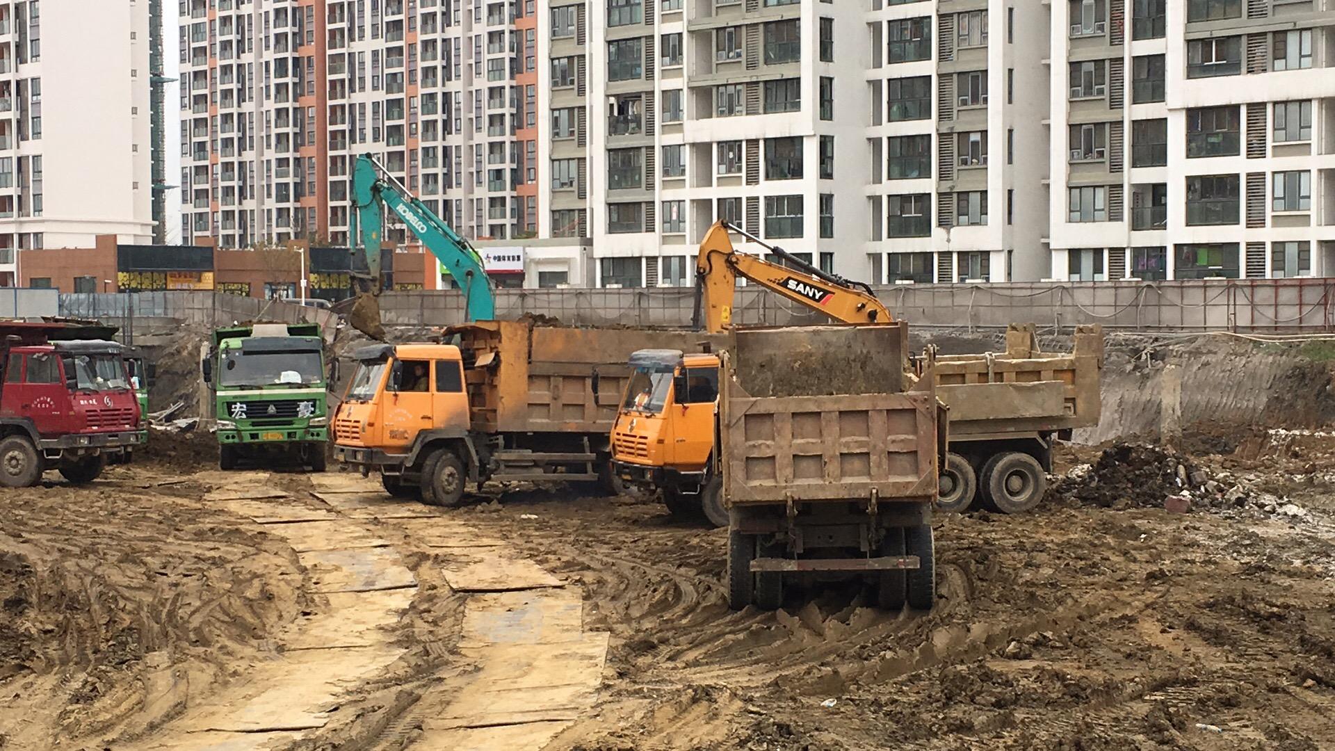 江苏挖掘机租赁价格,挖掘机租赁