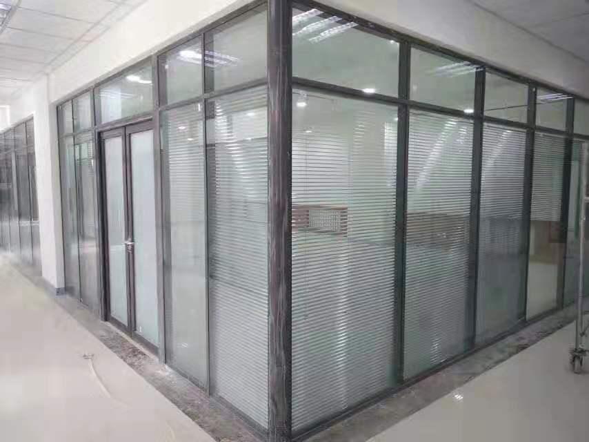 张掖玻璃隔断价格