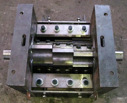 新疆小型粉碎机刀哪家好 山东梁山亨通机械制造供应