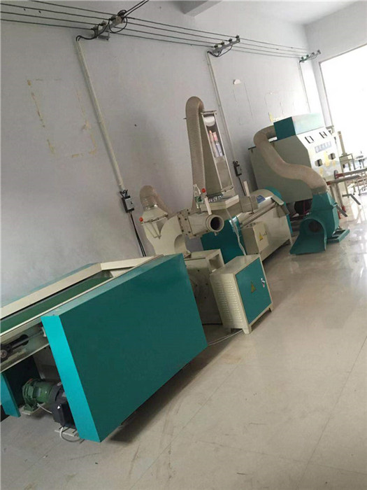 徐州专业枕芯机,枕芯机