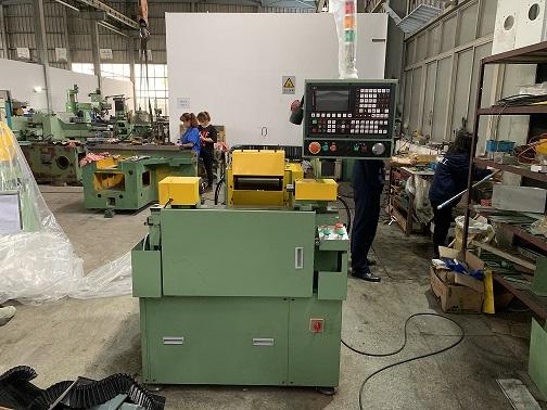 上海胶辊磨床性价比高 上海屹亚精工机械供应