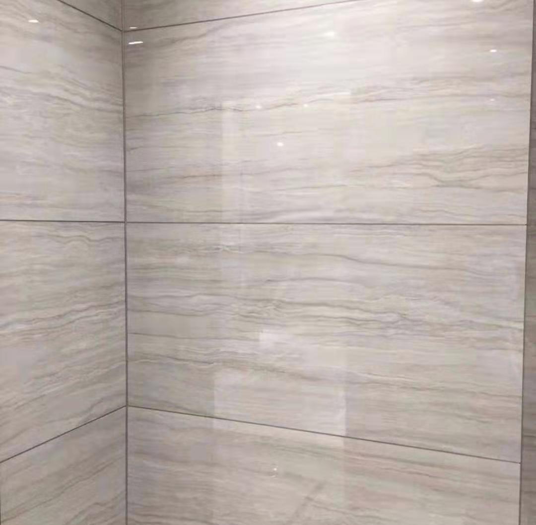 脏黑的瓷砖缝隙就会影响瓷砖的整体美观,大幅度降低瓷砖的装饰效果