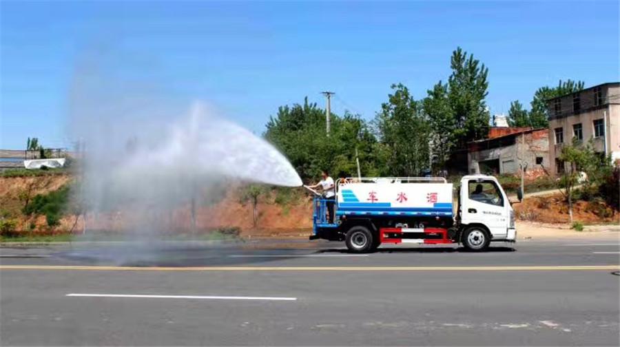 湖北轻型洒水车 程力专用汽车供应