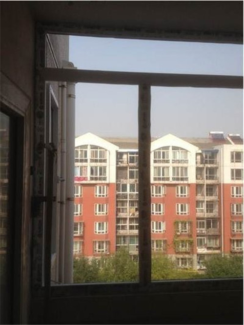 紫(zi)金效果好的(de)隔音窗(chuang)哪家比較(jiao)優惠 誠信經營「廣州安佳門窗(chuang)供(gong)應(ying)」