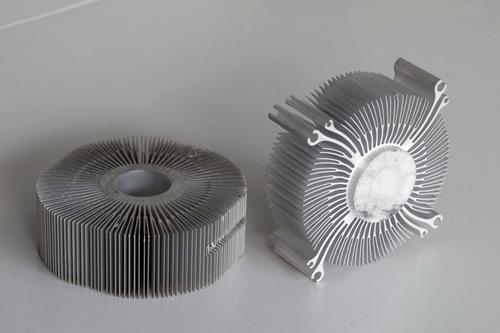 江蘇鋁型材氧化噴涂 南通佳強鋁制品供應