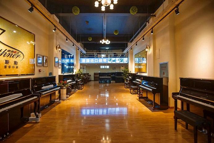西工区好钢琴专卖店「洛阳四五度乐器供应」