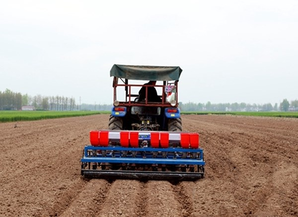 河南小型全自动花生播种机省钱 值得信赖 河源市李旭农业机械设备供应