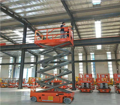 南昌长期供应高空车平台 欢迎来电「南昌利民机械设备租赁有限公司供应」