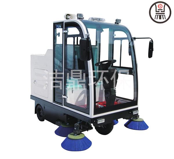 江苏驾驶式全封闭扫地机对比 山东洁鼎环保科技供应