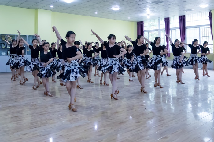 蚌埠成人国标舞表演培训 信息推荐 蚌埠市领航舞蹈供应