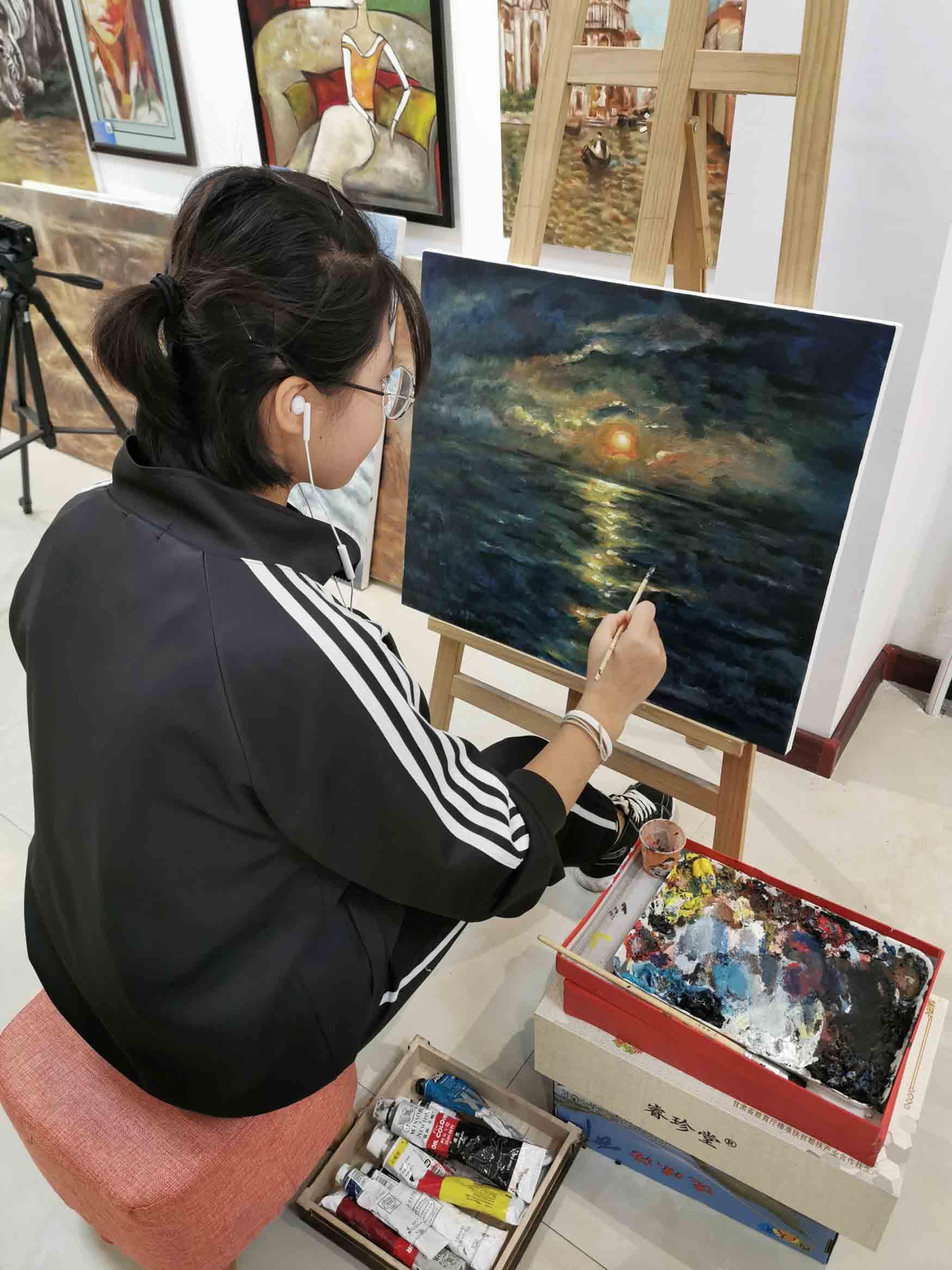 哈尔滨美术基础班「兰州小湛湛艺术文化供应」