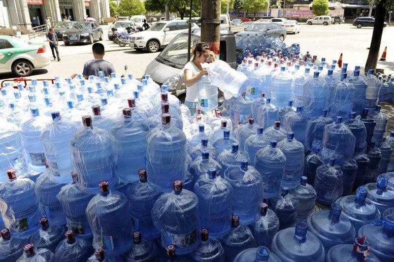 西安市原装纯净水销售厂家 欢迎咨询 西安市高新区咕咚桶装水配送供应