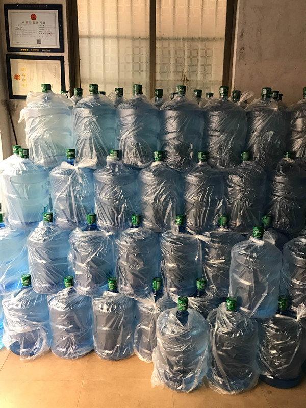 正规桶装水欢迎来电「西安市高新区咕咚桶装水配送供应」