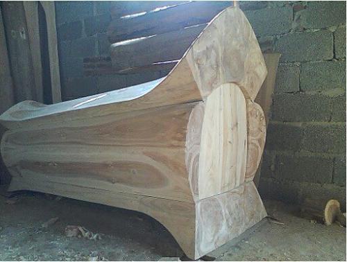 塔城原装棺木报价「新疆龙兴德商贸供应」