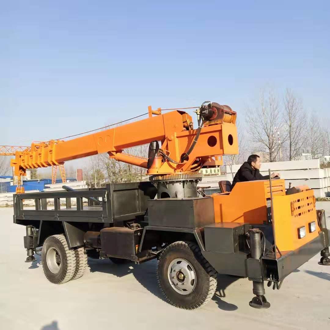 内蒙古改装牵引式拖拉机六驱随车吊 值得信赖 济宁市恒泰源工程机械供应