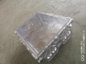 上海铝制压铸汽车配件,压铸
