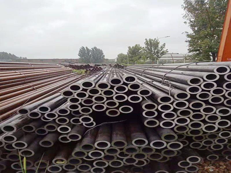 贵阳无缝钢管厂家怎么样 贵州鑫岩松物资供应