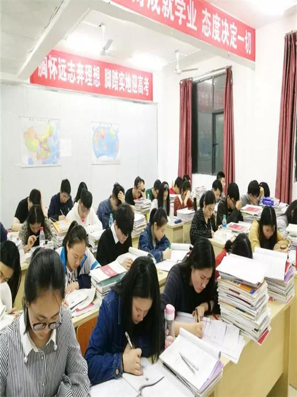 赣州19年日语高考培训学校分数线 创造辉煌「南昌高新区新状元文化艺术学校供应」