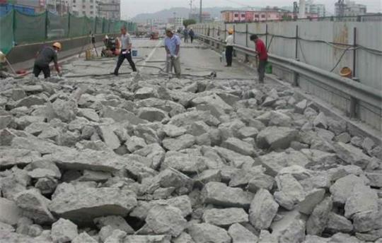 新疆水下混凝土切割廠家 新疆安勝達拆除工程供應