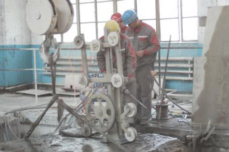 新疆混凝土绳锯切割拆除公司 新疆安胜达拆除工程供应