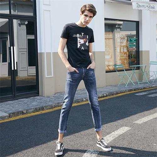 正规的牛仔裤加盟便宜「本色服饰供」
