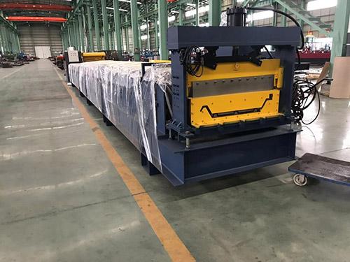 实用数控彩钢瓦压型机生产商 华恒供应