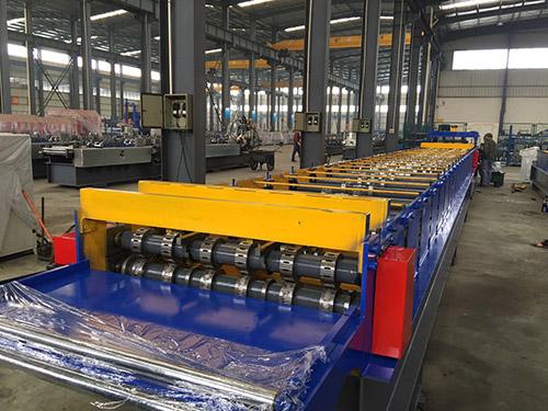 山东楼承板机生产厂家 华恒供应