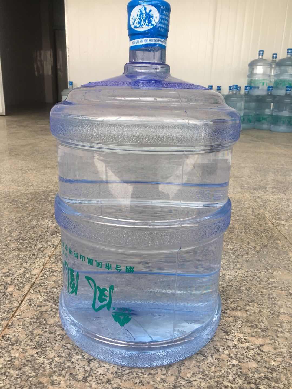 庫存桶裝水哪家好 創造輝煌「煙臺市鳳凰山純凈水供應」