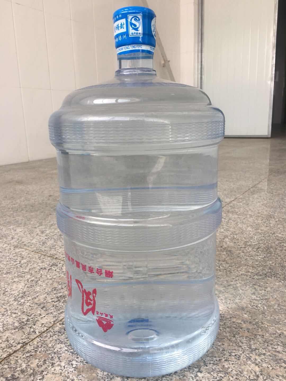 招远优良桶装水报价 欢迎来电「烟台市凤凰山纯净水供应」