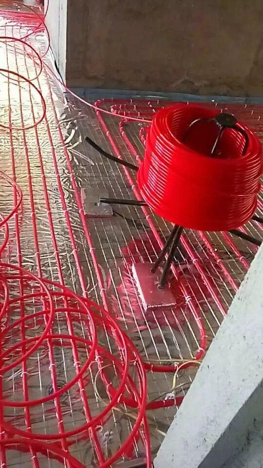 厦门热燃气壁挂炉供暖批发 厦门易居阳光节能科技供应