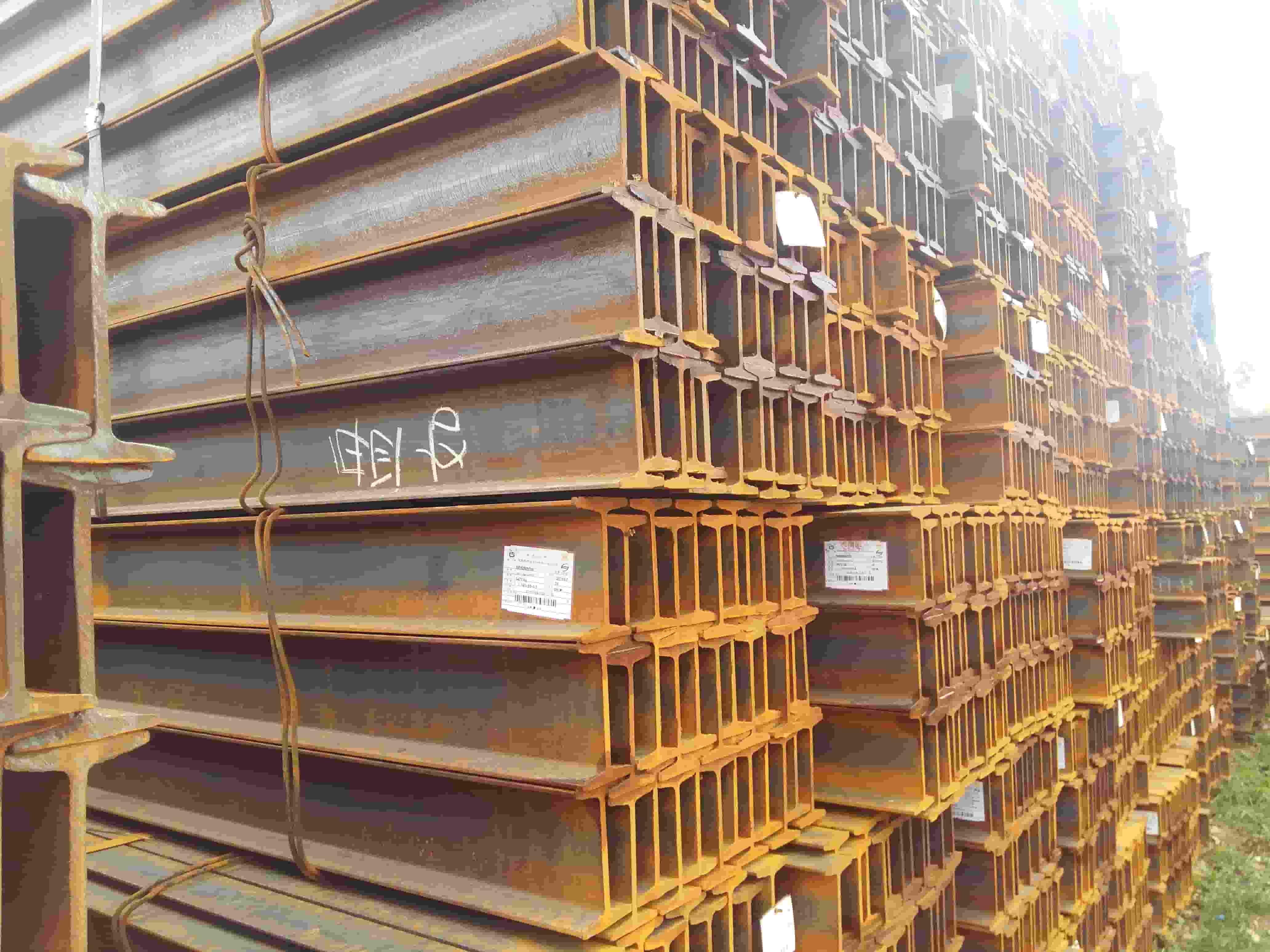 云南工字钢多少钱一吨 云南贸轩商贸供应