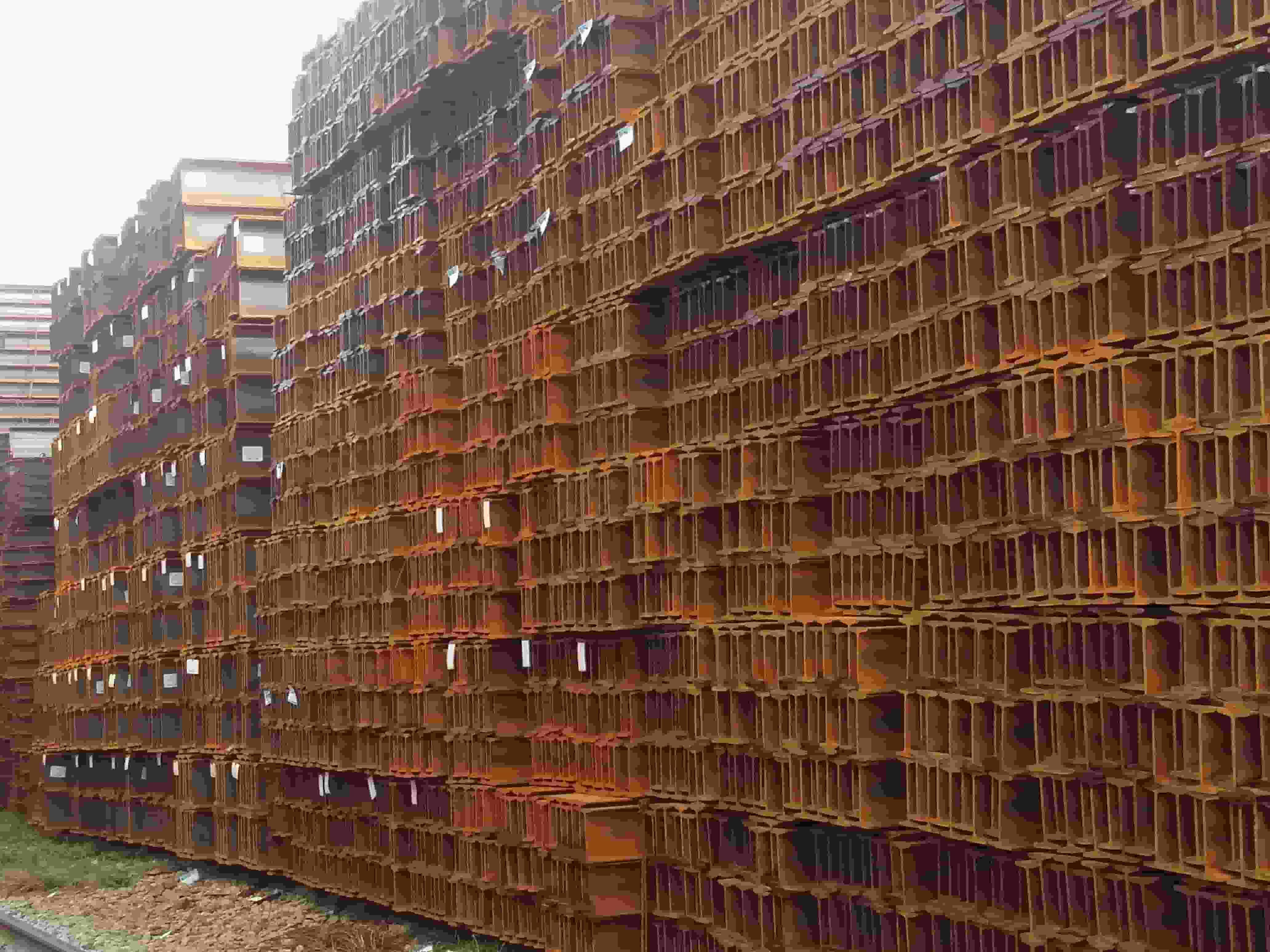 云南工字鋼生產廠家13888426708 云南貿軒商貿供應