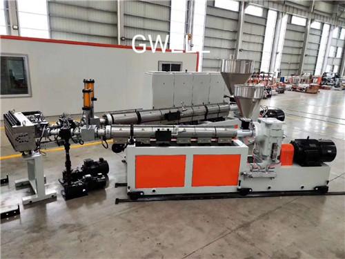 苏州直销中空塑料建筑模板生产线 苏州金韦尔机械供应