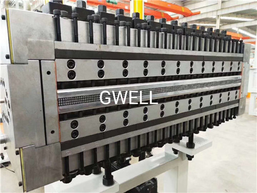 上海中空塑料建筑模板生产线供应 苏州金韦尔机械供应