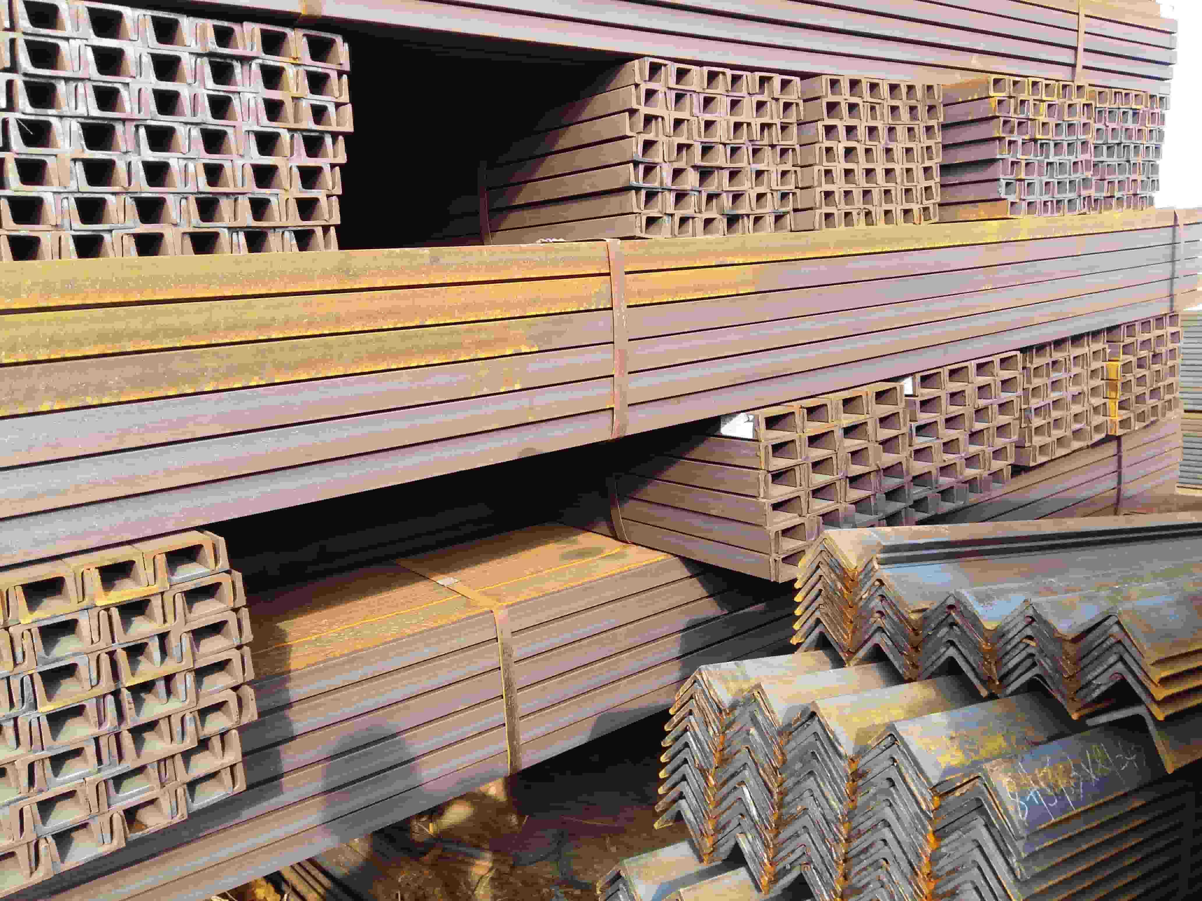 云南槽鋼批發市場 云南貿軒商貿供應