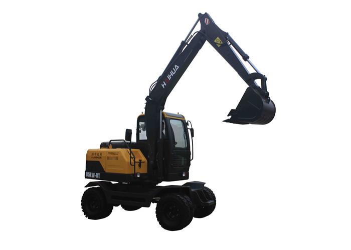 第六,禁止用挖掘机动臂横向拖拉他物;液压挖掘机不能用冲击方法进行图片