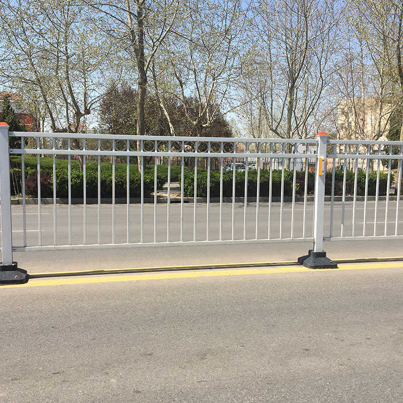 铁岭隔离栏厂家供应,隔离栏