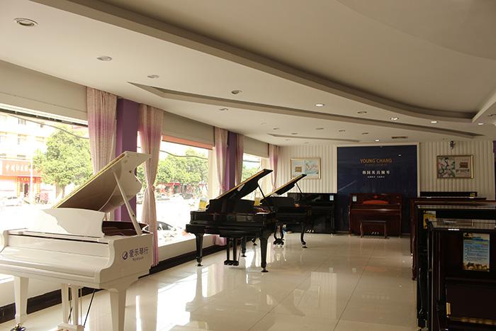 新野珠江钢琴哪里买,钢琴