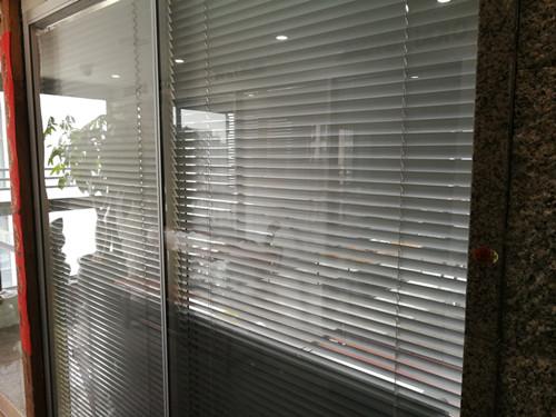 廈門隱形玻璃窗 廈門中港豪華裝飾工程供應