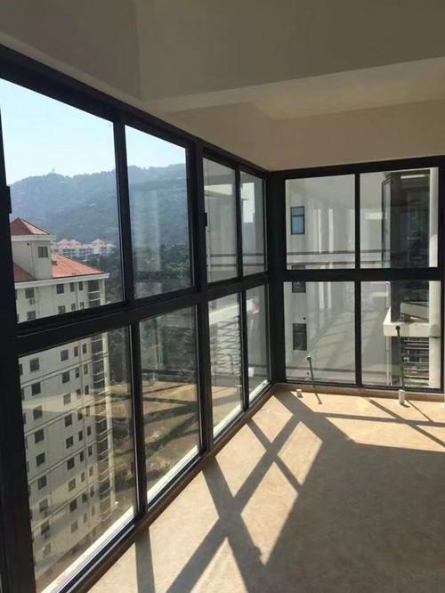办公室玻璃隔断墙 厦门中港豪华装饰工程供应