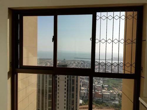 厦门办公室玻璃隔断安装 厦门中港豪华装饰工程供应