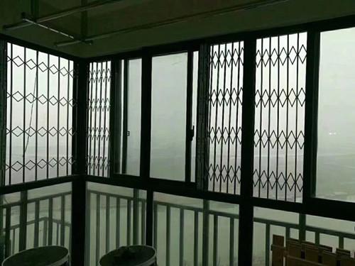 阳台玻璃窗订制 厦门中港豪华装饰工程供应