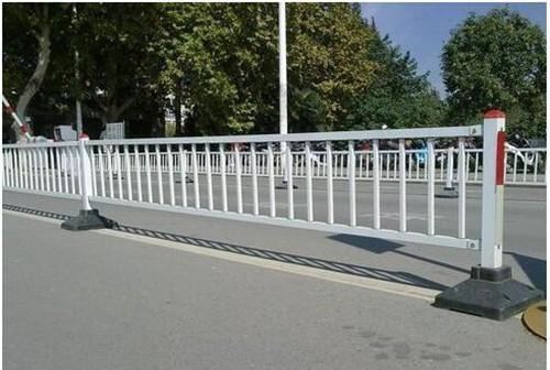 中央隔離護欄價格 廈門宏乾交通設施工程供應