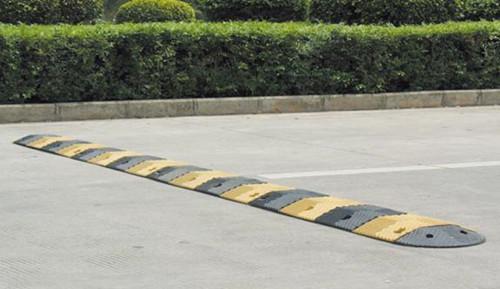 厦门道路减速带批发 服务为先 厦门宏乾交通设施工程供应