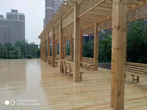 平和便宜的防腐木木屋,防腐木
