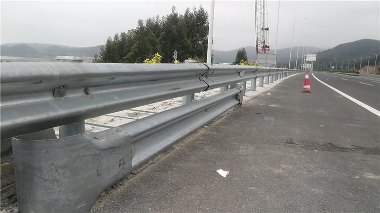 厦门防撞护栏多少钱 欢迎来电 厦门宏乾交通设施工程供应