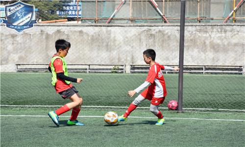 暑期足球培训班暑期足球培训班深圳市福田区优质暑期足球培训班来电咨询,暑期足球培训班