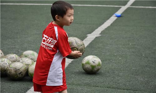 深圳市罗湖翠竹水库知名足球青少年培训,足球青少年培训